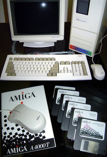 A4000T with manuals and disks